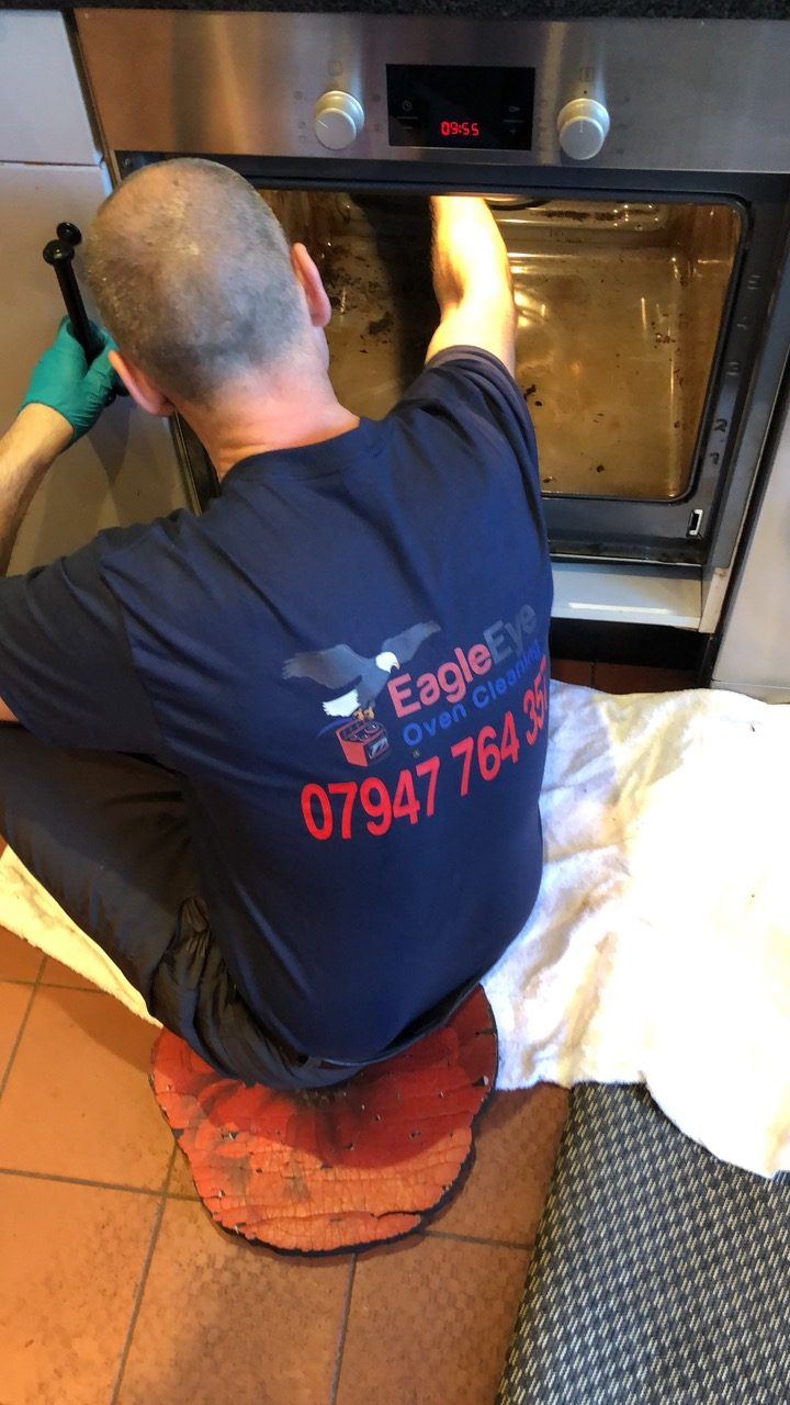 Oven-Cleaning-Training-by-Eagle-Eye-Oven-Cleaners